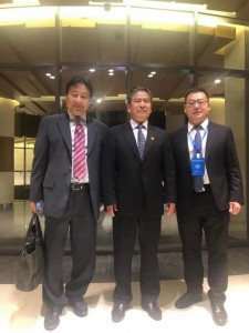 Photo of the Seminar on China-UAE Economic and Trade Cooperation  (Middle: Zhang Shenfeng, CCPIT Vice-president; Right: Lu Jinhui, - Deputy General Manager of Lehua Home Furnishing Group)